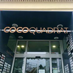 Cocoquadrat Schild Eingang