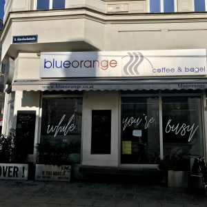 blueorange Glasfront