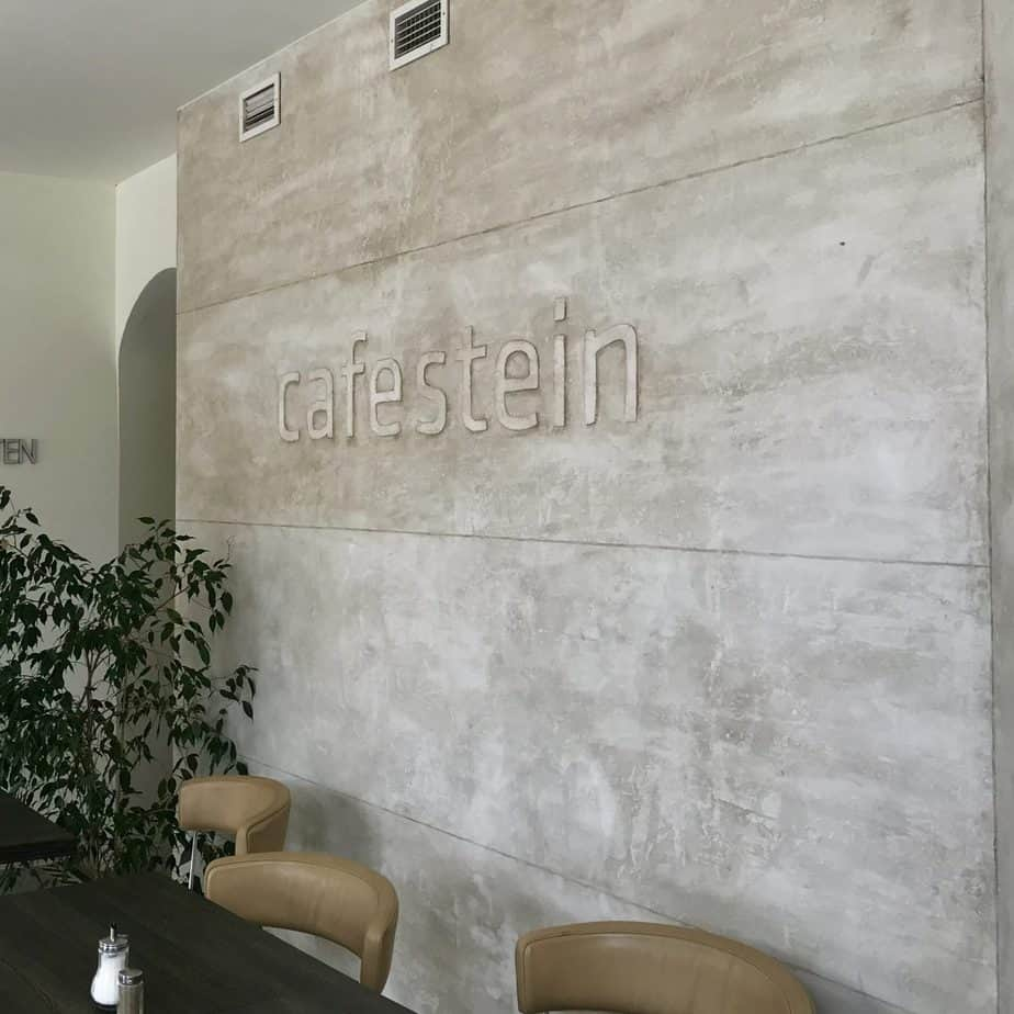 Café Stein Wand