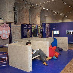 """Foto eines Teils der Ausstellung im Architekturzentrum Wien """"Boden für Alle"""""""